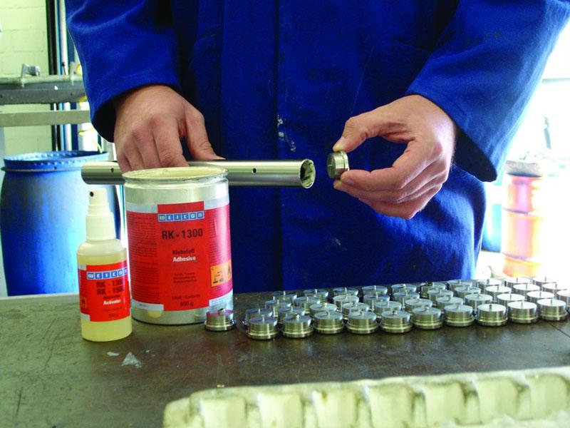 Как сделать клей для пластмассы